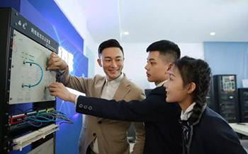 探秘哈尔滨新华电脑学校系列之——师资力量